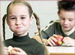 Elevii de gimnaziu ar putea primi iarna mere gratis