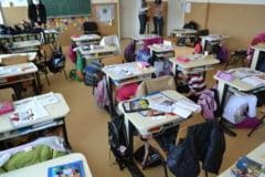 Elevii de la scolile din Rosia, Racovita si Talmaciu au aflat de la specialistii ISU si E.ON cum sa se comporte in caz de cutremur