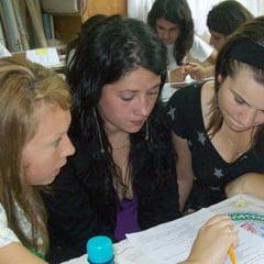 Elevii din Gorj, chestionati de psiholog de teama recentelor sinucideri