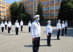 Elevii din scolile si colegiile militare au fost testati pentru coronavirus. 20 au fost depistati pozitiv si au fost izolati sau internati in spital