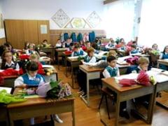Elevii incep de luni scoala, dupa vacanta de iarna - vezi cand au teze si simulari