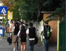 Elevii peste 14 ani trebuie sa decida singuri daca vor sa participe la ora de religie sau nu