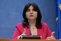 Elevii reclama Ministerul Educatiei la Consiliul Discriminarii: Sute de mii de copii, lasati de izbeliste