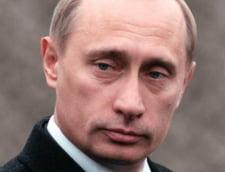Elevii rusi, obligati sa cumpere o carte despre copilaria lui Putin
