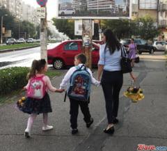 Elevii si copii de gradinita intra in vacanta