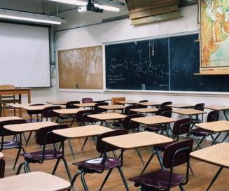 Elevii stau acasa, dar profesorii nu: FSLI cere ca scolile sa fie complet inchise pentru dezinfectie
