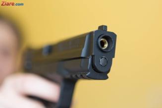 Elevul care a deschis focul la o scoala din Franta s-a predat. Alta persoana a fost retinuta