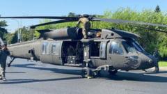 """Elicopterul Black Hawk care a aterizat forțat într-o intersecție a fost transportat la baza de la Kogalniceanu. """"Nu vom face speculaţii referitor la cauza incidentului"""""""