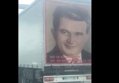 """Elogiu pentru Nicolae Ceaușescu pe un TIR românesc filmat în Italia: """"Noi ce-am construit voi nu reușiți să dați cu var"""" VIDEO"""
