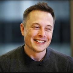 Elon Musk: Momentul in care vom trage un pui de somn in masinile care se conduc singure e foarte aproape