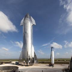 Elon Musk a prezentat nava spatiala care urmeaza sa duca oamenii pe Marte (Video)