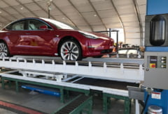 Elon Musk analizeaza daca sa retraga Tesla de la bursa. Actiunile au urcat vertiginos