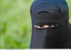 Elvetia nu le da cetatenie unor eleve musulmane, pentru ca au refuzat sa ia lectii de inot cu baietii