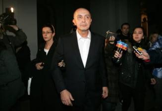 Emailurile care dovedesc ca fiul actualului presedinte al SUA lucra pentru salvarea magnatului roman Puiu Popoviciu, condamnat pentru coruptie