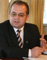 Emil Boc: Cele patru formatiuni din coalitie vor semna un document de functionare