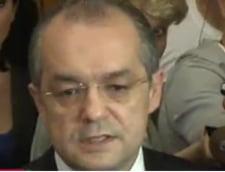 Emil Boc: Minoritatile ne-au lucrat pe la spate