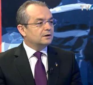Emil Boc: Ne-a trecut glontul pe la ureche