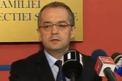 Emil Boc: Nu merita sa angajati la negru, mai bine platiti legal si dormiti linistiti