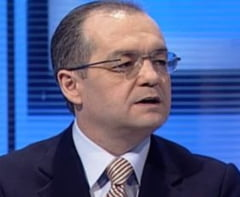 Emil Boc: Rad si curcile de noi