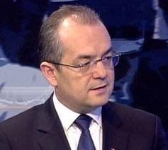 Emil Boc, acuzat ca a dat o teapa de 3 milioane de euro in fotbal