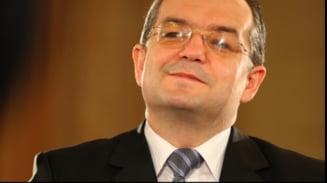 Emil Boc, pe primul loc in sondajele de la Cluj