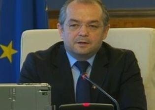 Emil Boc si tot Guvernul si-au dat demisia - Nu ma agat de putere!