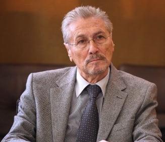 Emil Constantinescu: E vizibila o lipsa a liderilor. Obama si Merkel sunt buni manageri