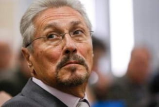 """Emil Constantinescu i-a scris lui Schulz despre """"presiunile"""" lui Barroso si Reding asupra Romaniei"""