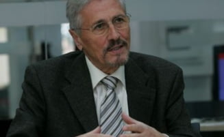 Emil Constantinescu se intreaba, in presa straina: Ce vor romanii?