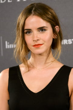 Emma Watson a purtat o rochie din fibre de la sticle de plastic reciclate - iata cum arata (Foto)