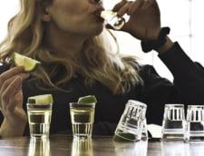 Englezii consuma mai mult alcool decat se credea, mai ales femeile