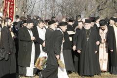 "Episcopia Husilor avertizeaza asupra unor popi care umbla ""dezlegati"""