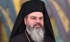 """Episcopul Husilor, despre postul mediatic inaintea Pastelui: """"Acum gandim 'whatsappeste'. Sa ne dam seama cat de 'drogati' suntem folosind tehnologia"""""""