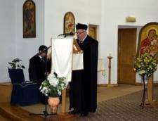 Episcopul eparhiei Reformate de Ardeal, Bela Kato, spune ca maghiarii din Transilvania sunt precum copiii cu parinti divortati: De 100 de ani in grija tatalui