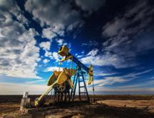 Era petrolului ieftin: Barilul ar putea cobori pana la 10 dolari!