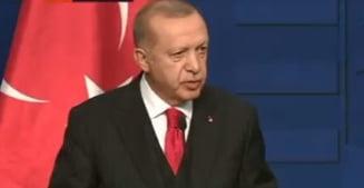 Erdogan ameninta de la Budapesta ca Turcia va lasa refugiatii sa plece spre Europa, daca UE nu ii da bani (Video)