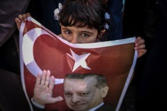Erdogan ii cere lui Obama sa-l aresteze pe Gulen. Clericul sugereaza ca si-a inscenat lovitura de stat