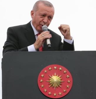 Erdogan il sfideaza pe Trump: Cere kurzilor sa se dezarmeze si refuza orice armistitiu, inclusiv intalnirea cu Pence