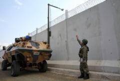 Erdogan isi intareste trupele de la granita cu Siria si se pregateste sa intre peste kurzii de acolo