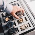 Escroci specializati in vanzarea unor ceasuri de lux false, retinuti de Politie. Unul dintre ei e strain