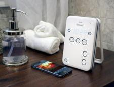 Esti dependent de gadgeturi? Acum le poti avea si in baie