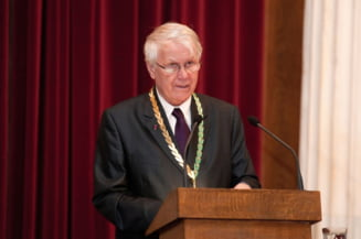 Eugen Simion, acceptat ca membru al Academiei elene