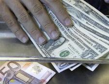 Euro ar putea urca pana la 4,4 - 4,5 lei, daca trece motiunea