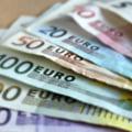 Euro atinge un nou prag istoric. A depășit pentru prima dată valoarea de 4,94 lei
