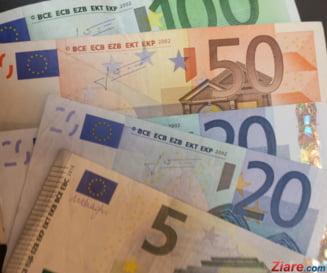 Euro creste puternic si doboara un nou record. A trecut de 4,84 lei