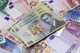Euro este gata sa treaca de 4,95 lei