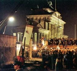 Europa sarbatoreste luni caderea Zidului Berlinului