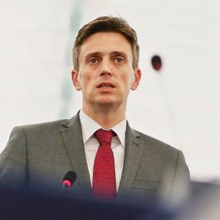 Europarlamentar PSD, intristat de miting: Parca am fi condusi de Vadim Tudor!