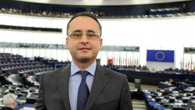 """Europarlamentarul Busoi (PNL) va reclama la Bruxelles modificarile """"banditesti si totalitare"""" la regulamentul Camerei"""