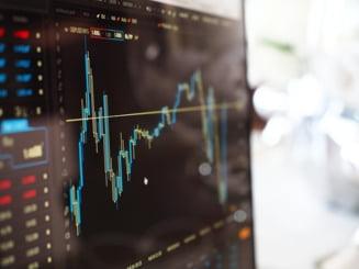 Evoluţia inflaţiei şi incertitudinea generată de criza guvernamentală, factorii cu cel mai mare impact asupra pieţei financiare RAPORT